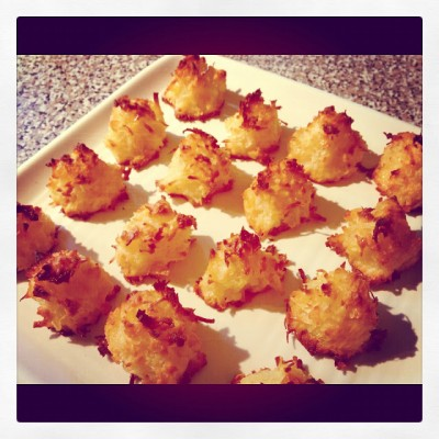Pineapple Coconut Macaroons {Guest Post}