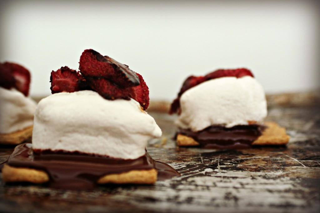 Roasted Strawberry S'mores1