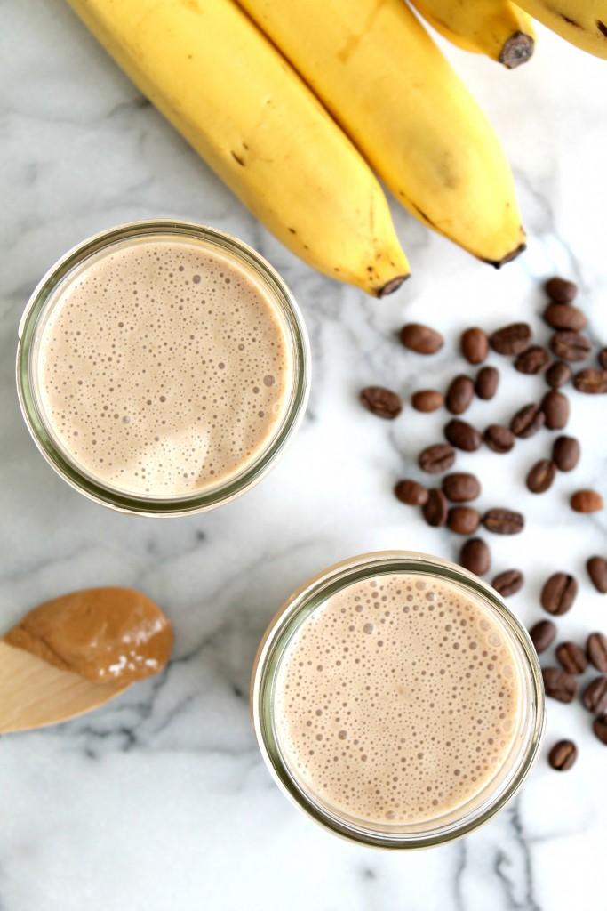 Banana Coffee Cashew Smoothie 01
