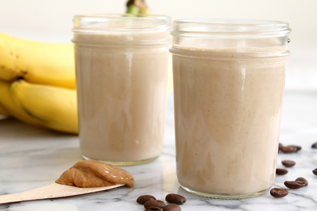 Banana Coffee Cashew Smoothie 03