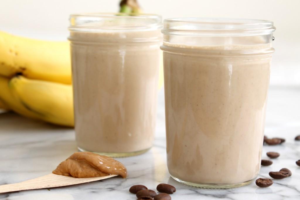 Banana Coffee Cashew Smoothie 03