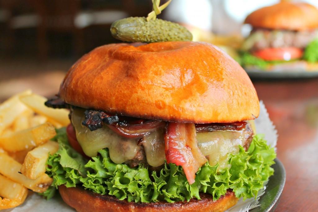 Foodie Guide to Burlington, VT - burger